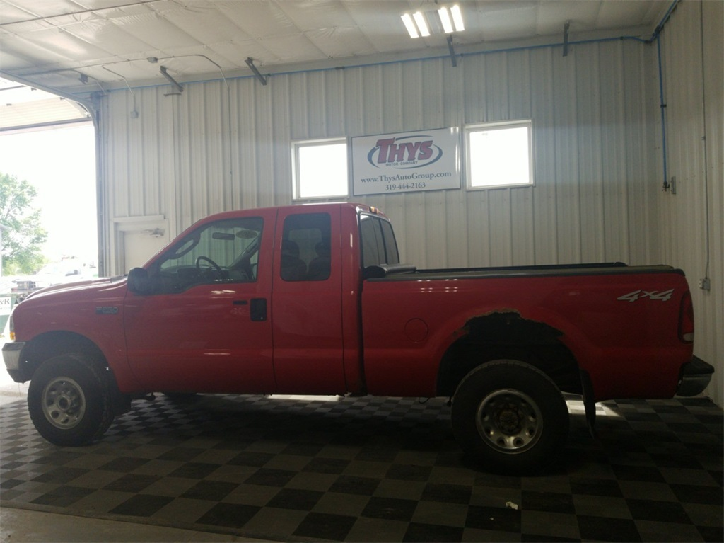 Pre-Owned 2004 Ford F-250SD XLT