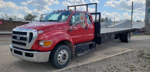 Pre-Owned 2011 Ford Super Duty F-650 Straight Frame XLT